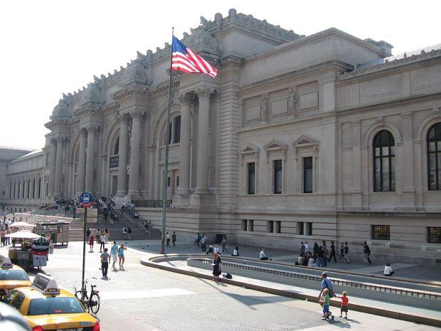 Metropolitan_Museum_of_Art_-_panoramio